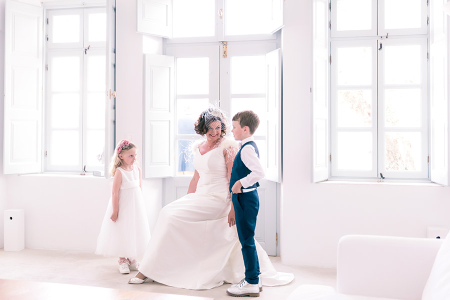 Fiona_wedding_weddingphotography_santorini_santoriniweddingphotography_destinationwedding_oia_greece